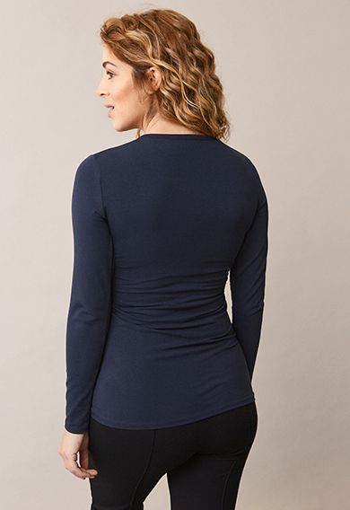 Top with double function for pregnancy and nursing. Rounded neck and long sleeves.