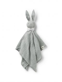 This is Blinkie Bo, Elodie Details cuddly friend for your little one to fall in love with. A mix between a soft toy and cuddle blanket, made from a natural cotton muslin fibre weave, with lots of lovely details.