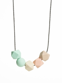 Nursing Necklace (pearl mint-ivory-peach)