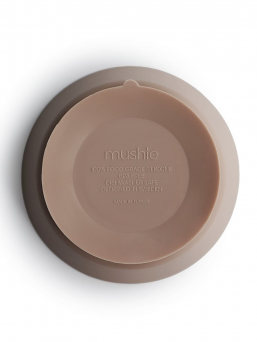Mushie child silicone bowl. The bowl can be heated in the microwave and washed in the dishwasher. Beautiful, easy and effortless dining.