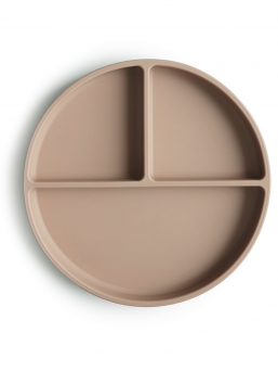 Mushie child silicone plate. The plate can be heated in the microwave and washed in the dishwasher. Beautiful, easy and effortless dining.