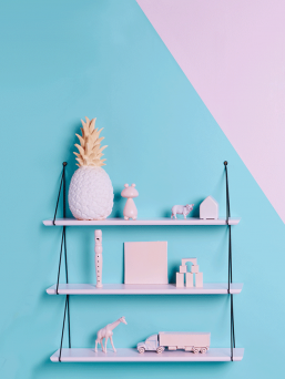 Beautiful Babou 3 shelve that is really easy to install. A spectacular detail of home furnishings in the office or in the kidsroom.