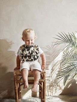 Wild Paris Bib from Elodie Details PVC-free coated polyester - durable and practical material.