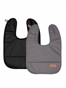 Baby Wallaby's stylish dark grey bib for baby. The bib is waterproof and soft. It is easy to wipe the food stains and it is wonderfully soft, so you can easily put it to your diaper bag. Bib is easy to attach with a velcro strap.