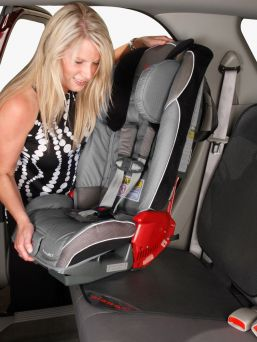 Protect the car seat from dirt and crumb bridge with the Grip It ™ car seat cover. No more dents or black dirt stains that often come from the car seat to the car bench.
