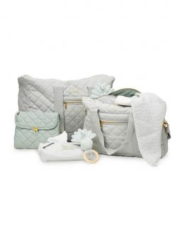 The popular and stylish quilted Cam Cam Copenhagen nursing bag. With water repellent coating both outside and inside for extra protection and longevity.
