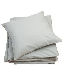 Fabelab Soft organic cotton bedding set that feels lovely on the baby's skin.