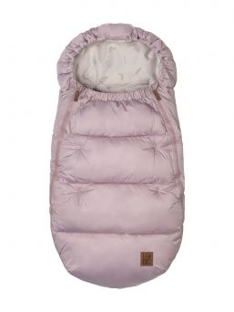 Leokid Olaf Footmuff is for babies from 0 to 2–3 years old. It keeps little kids warm and protects them from wind, rain, and snow. A state-of-the-art hypoallergenic filling accurately reproduces the structure of natural down and keeps the warmth even at –20 °C.
