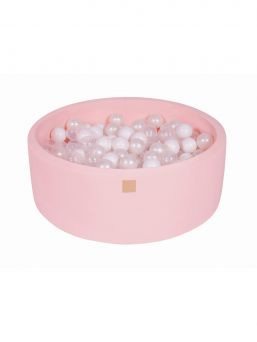 Stunning, padded Ball-pit with 200 balls is perfect for every home. A wonderful detail in kidsroom.