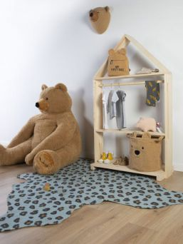 This cute storage basket Childhome Teddy is very suitable for storing various things such as toys, clothes and other things. The storage basket has an ideal size to place on a chest of drawers for example.