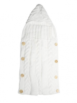 A beautiful wool sleeping bag for a baby. A soft knit keeps the baby warm in his/her own cradle as well as in the wagons.