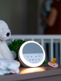 A white noise machine Nod is a powerful tool in your infant sleep routine and helps baby fall asleep fast and minimizes sleep disruption from the outside world. Nod creates a constant, soothing sound that helps lull your baby to sleep by mimicking the sound of the womb.