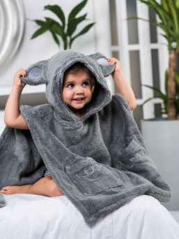 Luin Living soft kid's poncho towel that brings hint of luxury home spa in the bathroom. Towel hood has cute teddybear ears. It is so soft and lovely as promised!