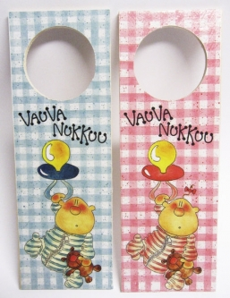 "Hanging door sign ""Vauva nukkuu"" GIRL/BOY"