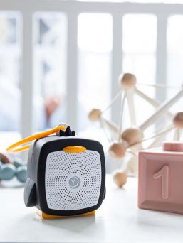 The YogaSleep Pocket Baby white noise speaker is a powerful tool for finding your child's sleep rhythm and helps your baby fall asleep quickly while minimizing sounds that disturb your baby's sleep in the outside world.