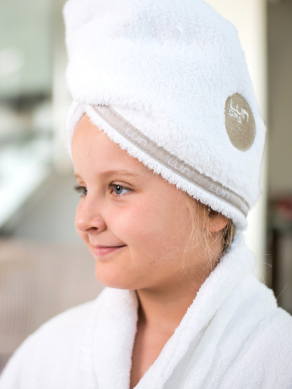 LuinLiving hairtowel. Dry your hair gently and effectively after a shower with a luxurious soft hair towel. Hair towel is also great for a bath, sauna, tub and jacuzzi if you want to keep your hair dry or shielded.