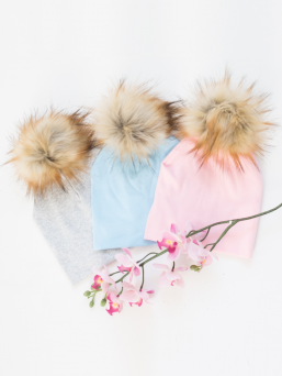 Adorable Pompom beanie with removable tassel. Lightweight and soft cotton beanie is ideal for spring, summer and autumn days. The removable tassel makes it easy to wash.
