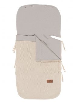 Baby's Only Footmuff keep baby warm in car seats and baby carriages. Thanks to Footmuff the baby does not need to undress and dress up constantly, the baby stays warm embrace of the bag. Footmuff provides warmth and softness in car seat and the stroller.