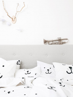 The soft Tellkiddo bedding set for toddlers. It has allover bear print on duvet and on pillow case.