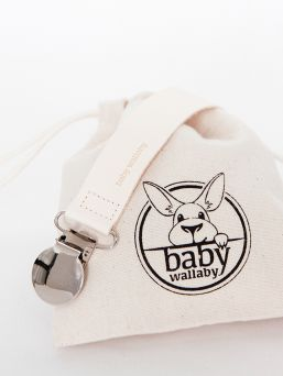 Baby Wallaby Luxurious pacifier clip made from fine leather in Italy.